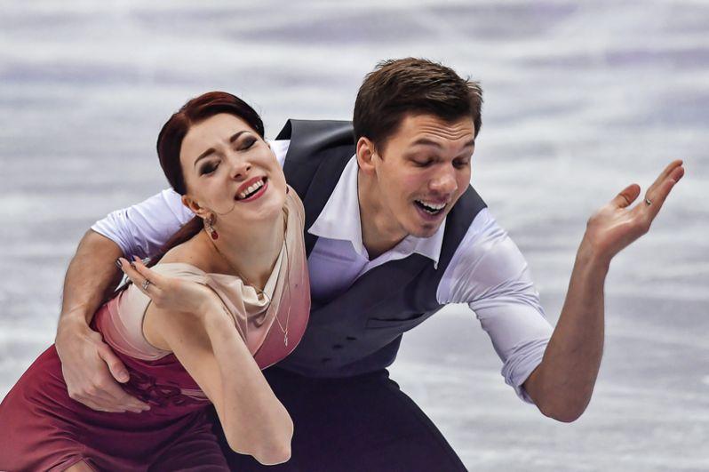 Екатерина Боброва и Дмитрий Соловьев завоевали третье место в коротком танце среди танцевальных дуэтов.