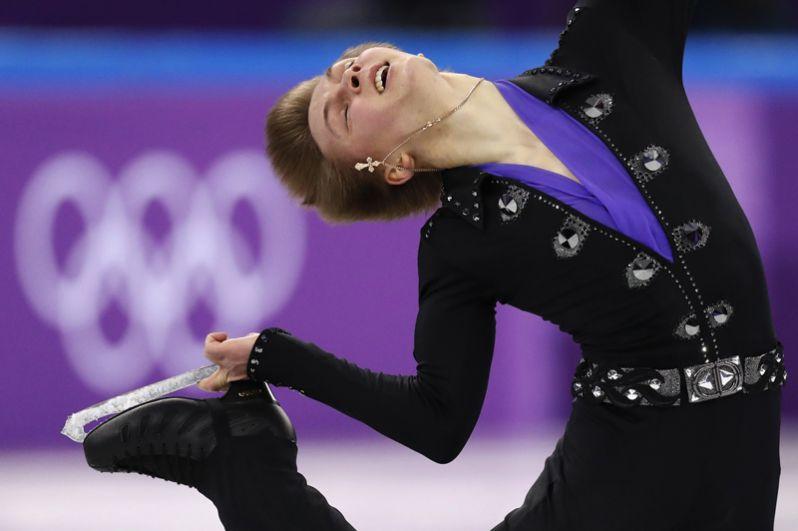 Михаил Коляда занял второе место в произвольной программе у мужчин.