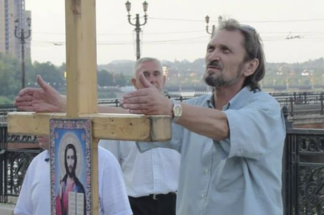 Скончался донецкий священник, которого боевики выводили нарасстрел