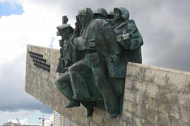 Мемориал «Малая земля» с галереей боевой славы: проспект Ленина, Новороссийск.