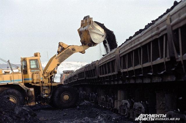 Украинские шахтеры заблокировали дорогу из-за долгов по зарплате