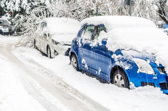 Зачем счищать сугроб с машины?