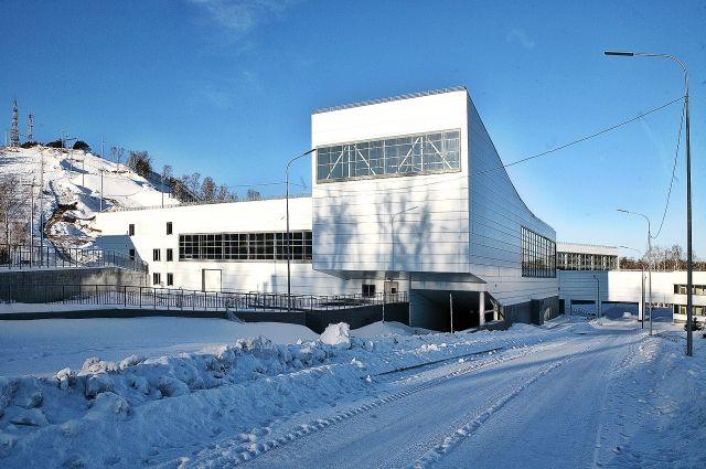 Изначально на его строительство было запланировано около 3 млрд. рублей.