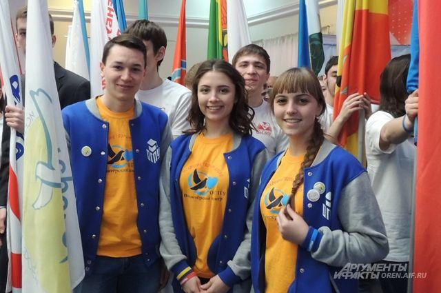 В Оренбургской области в самых разных направлениях работают почти 100 тысяч добровольцев.
