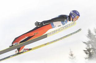 Денис Корнилов - самый стабильный российский летающий лыжник. Повезёт ли ему в Пхёнчхане?
