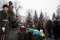 Кличко почтил память воинов-интернационалистов, возложив цветы к памятнику