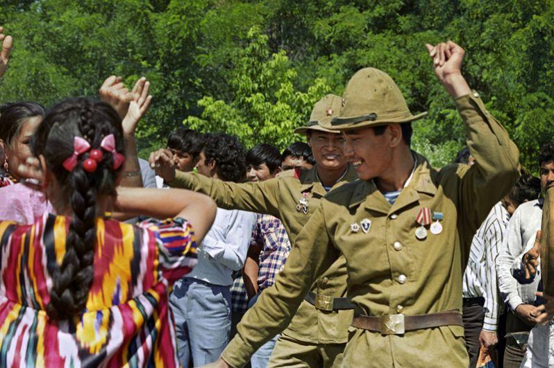 Праздник в городе Термез по случаю возвращения из Афганистана советских воинов-интернационалистов.