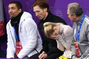 Евгения Тарасова после выступления не могла сдержать слез. Крайний слева - бывший партнер выигравшей золото Алены Савченко Робин Шолковы