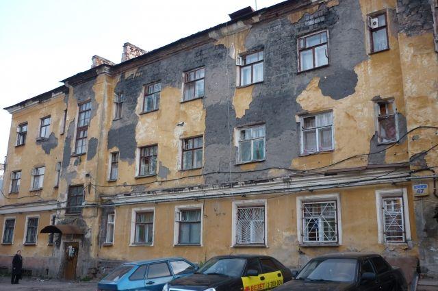 На расселение аварийных домов выделяется 1 миллиард рублей в год.