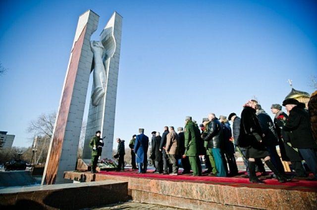 Оренбуржцы почтили память погибших в «горячих точках» земляков.