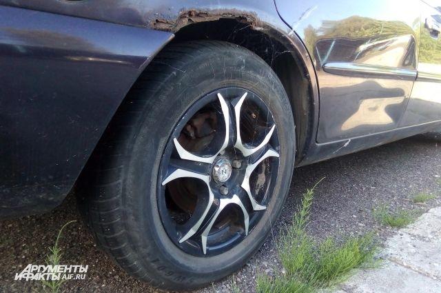 Калининградец отомстил бросившей его девушке, разобрав ее автомобиль.