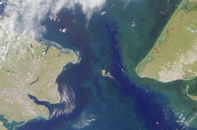 Берингов пролив — фотография со спутника.