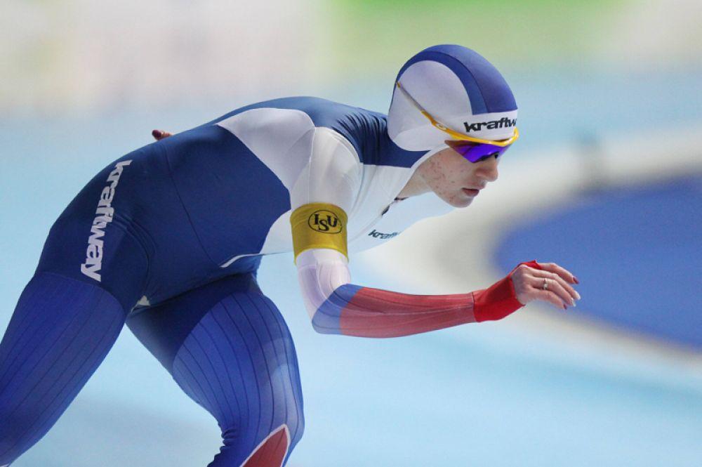 Конькобежка Наталья Воронина выиграла бронзовую медаль на дистанции 5000 метров.