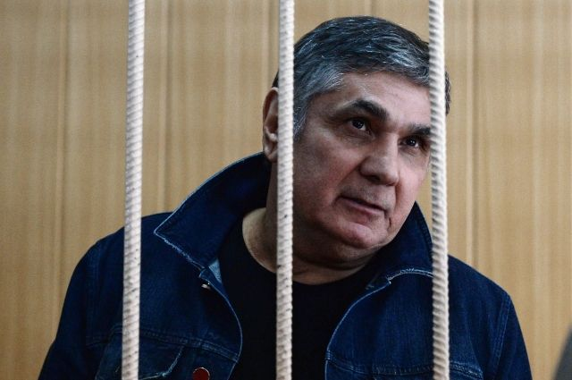 Прокурор попросил 10 лет колонии для Шакро Молодого