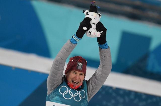Победительницей масс-старта на Олимпиаде стала биатлонистка Кузьмина