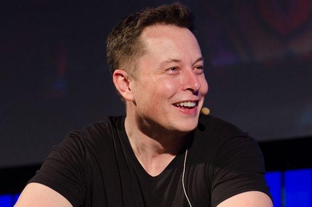 Илон Маск делает «космические» тосты