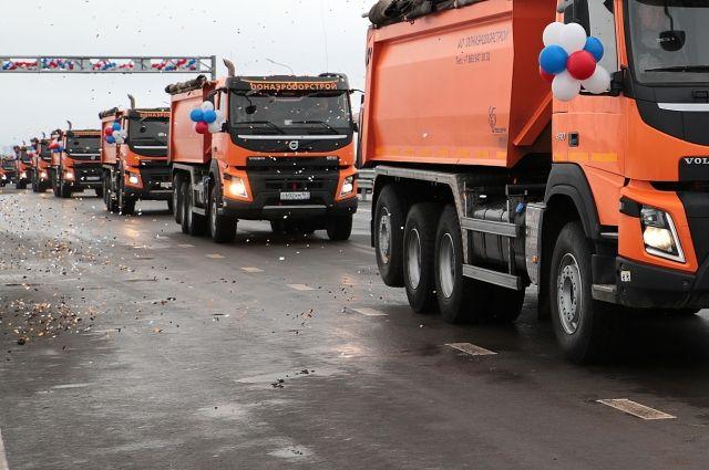 На границе Украины и России застряли сто грузовиков
