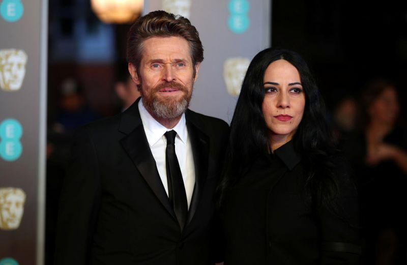 Уильям Дефо с супругой.