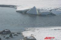 В Оренбургском районе под лед провалился снегоход, спасен ребенок.