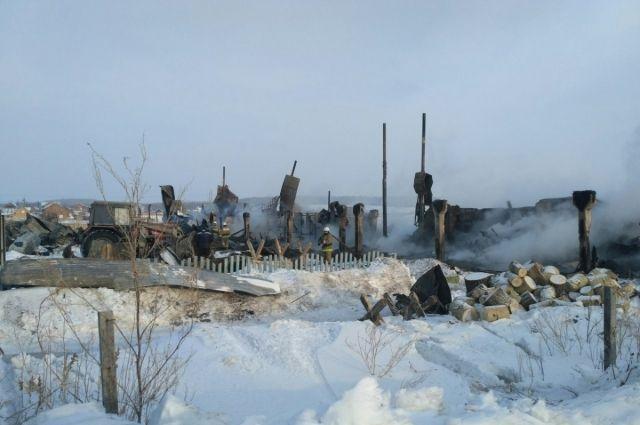 8 семей остались без крова.