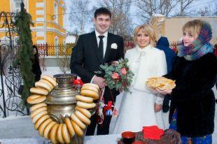 В Нижегородском Доме бракосочетания на Масленицу поздравили молодоженов.