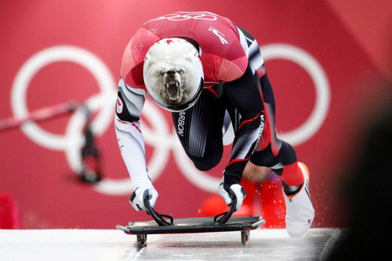 Барретт Мартино (Канада) — белый медведь.