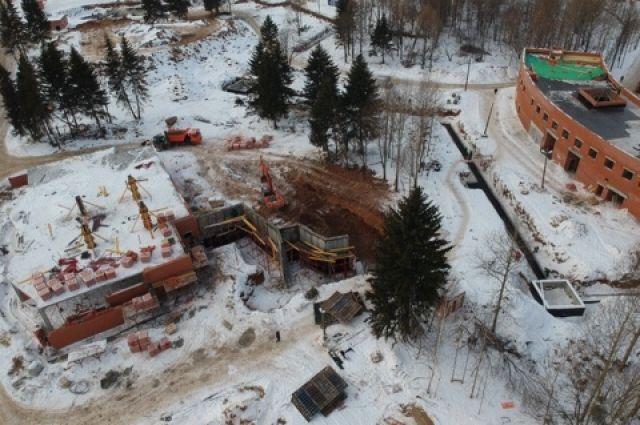 ЧП произошло вечером 19 февраля на стройплощадке будущего пермского зоопарка.