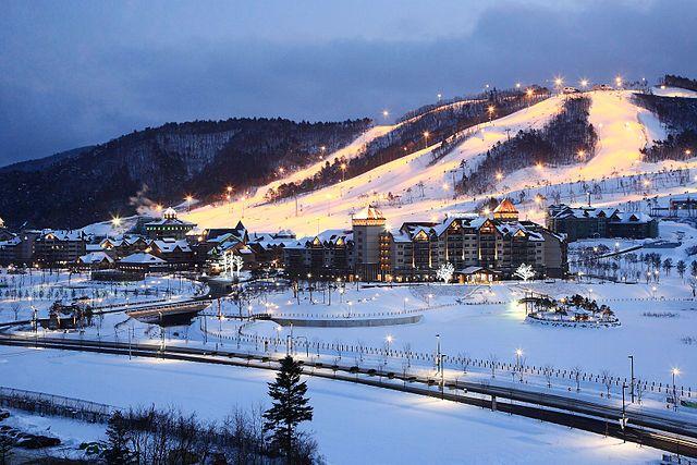 Соревнования сноубордисток на Олимпиаде перенесли из-за плохой погоды