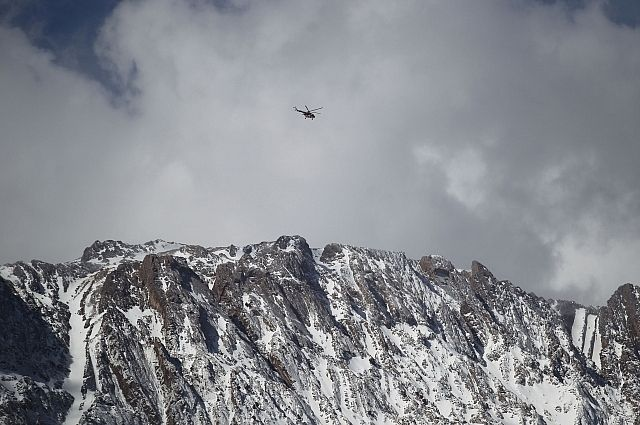 СМИ сообщили об обнаружении фюзеляжа разбившегося в Иране самолета