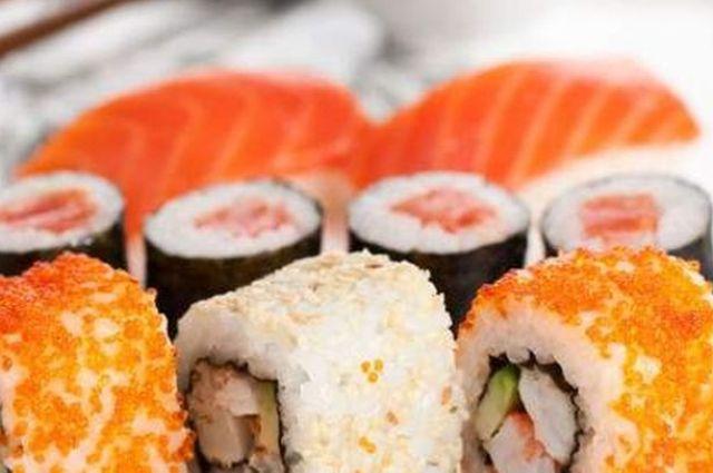 ВКиеве 5 человек отравились суши— ели Филадельфию