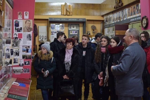 Среди гостей музея - и чехи, и китайцы, и американцы, и англичане. Сейчас основные посетители - школьники из близлежащих районов.