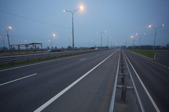 Вдоль трасс у пяти поселков Калининграда установят освещение.
