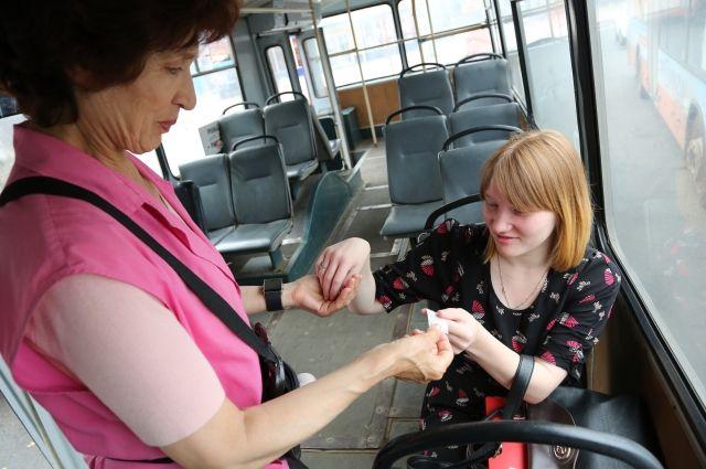С 1 марта в Кузбассе увеличат зарплату работникам общественного транспорта.