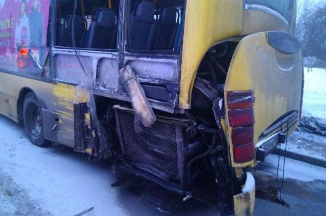 В страшной аварии погиб 12-летний мальчик, который ехал на учёбу.