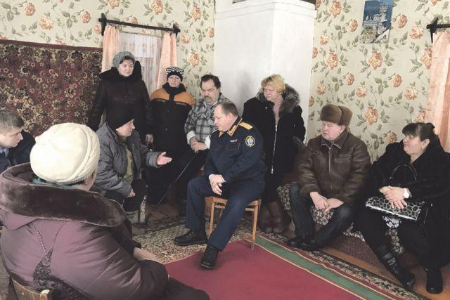 Жители села надеются, что в следственном комитете разберутся с их проблемами.