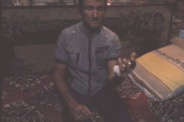 Только после публикации видео с отрубленным пальцем в Интернете в дело вмешались правоохранители.