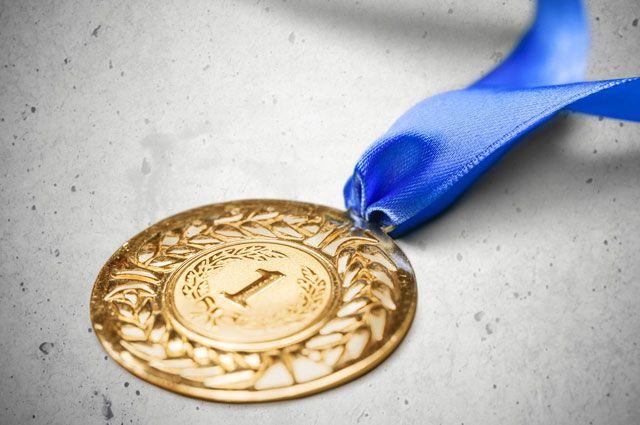 Взять или завоевать медаль — как правильно?