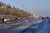 Красноярка бросилась в реку с набережной.