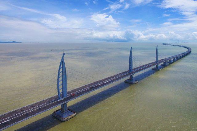 Китай построил самый длинный морской мост в мире. Что о нем стоит знать?