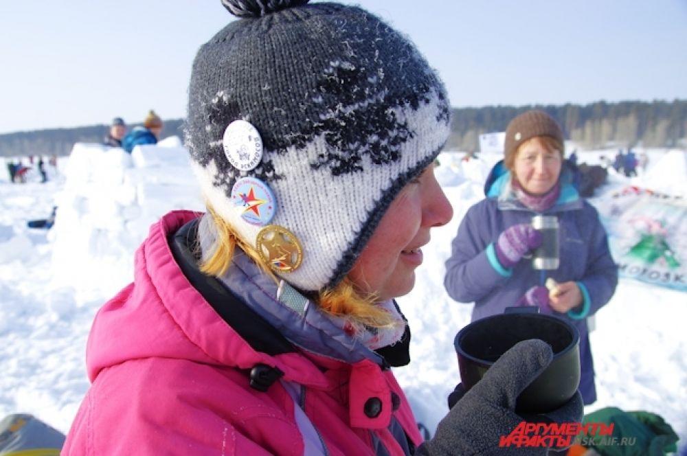 Мороза участники не чувствовали, потому что согревались чаем и активно двигались.