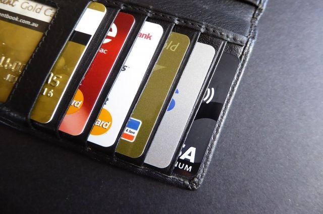 Госдума одобрила закон, обязывающий сообщать о долге по кредитке