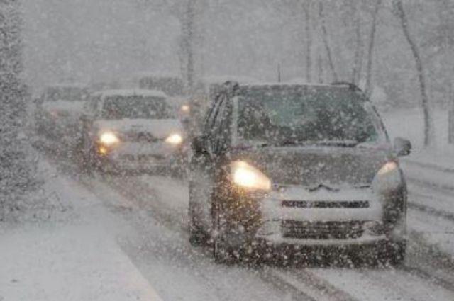 Кузбасских автолюбителей предупреждают о снегопадах и метелях.
