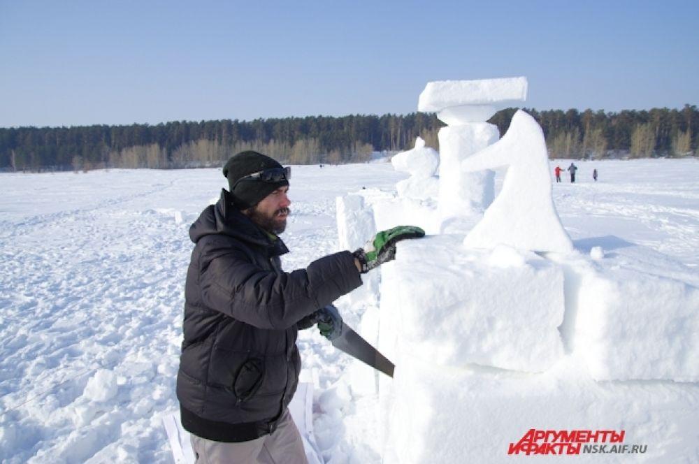 Среди участников фестиваля были и настоящие художники.