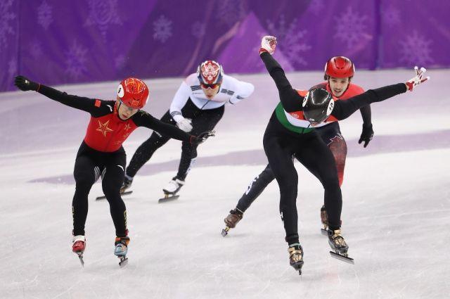 Венгерские шорт-трекисты завоевали золото в эстафете на 5 тыс. метров на ОИ