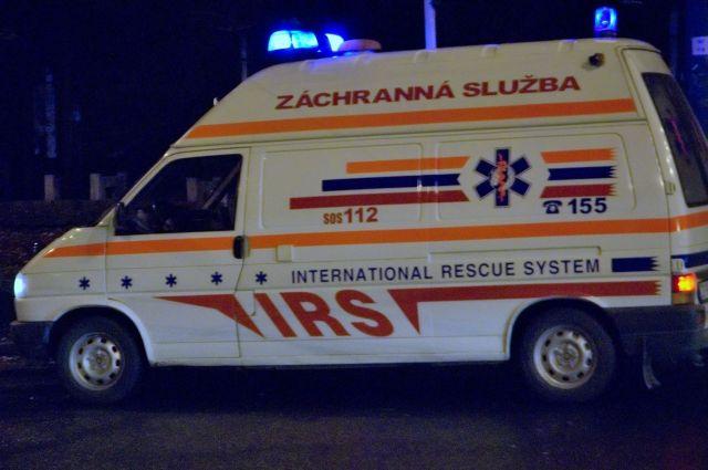 ВСловакии автомобиль врезался вгруппу детей, неменее десятка пострадавших