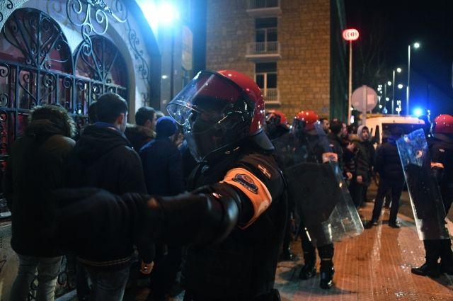 При столкновении фанатов «Спартака» иболельщиков «Атлетико» вБильбао умер полицейский