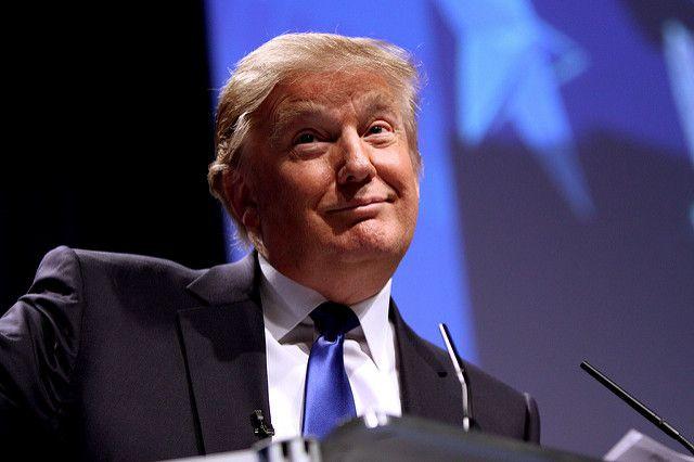 Трамп рассказал, что изо всех сил старается скрыть свою лысину
