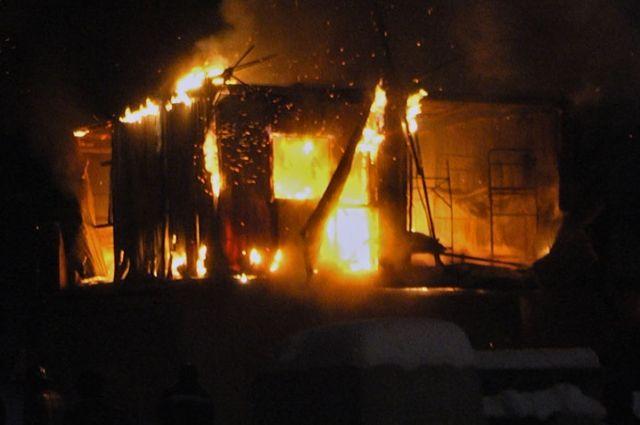 ВСвердловской области впожаре погибло трое детей
