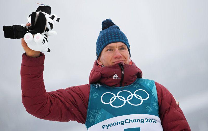 Бронза. Александр Большунов (лыжи, классический спринт).