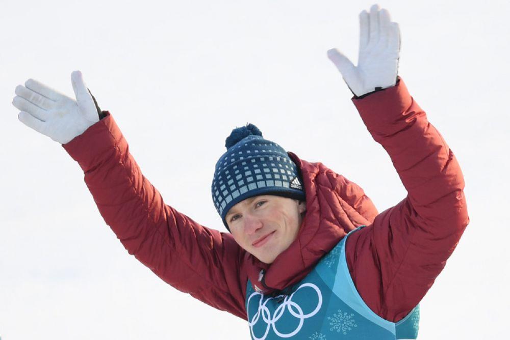 Бронза. Денис Спицов (лыжи, 15 км, свободный стиль).